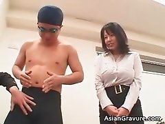 Great looking oriental chick sucks boner part4