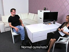 Amateur dude cums while gets footjob in stockings