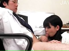 Busty Japanese gives titsjob